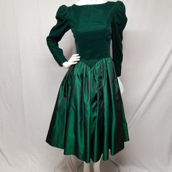 vtg 80s Emerald Green Velvet   Taffeta Prom Dress.  M 5bb0f8da2e1478b0ea820b56 58e188e0d